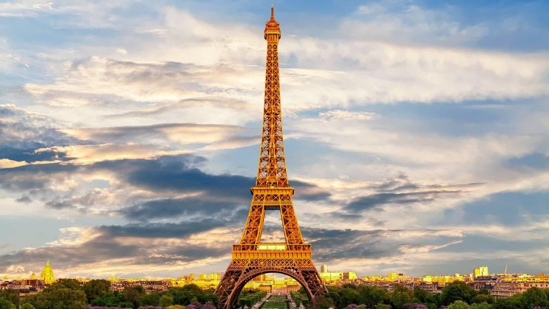 eiffel-tower-romantic
