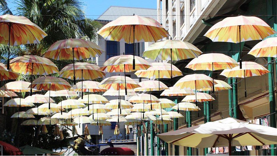 parasols-street-Mauritius
