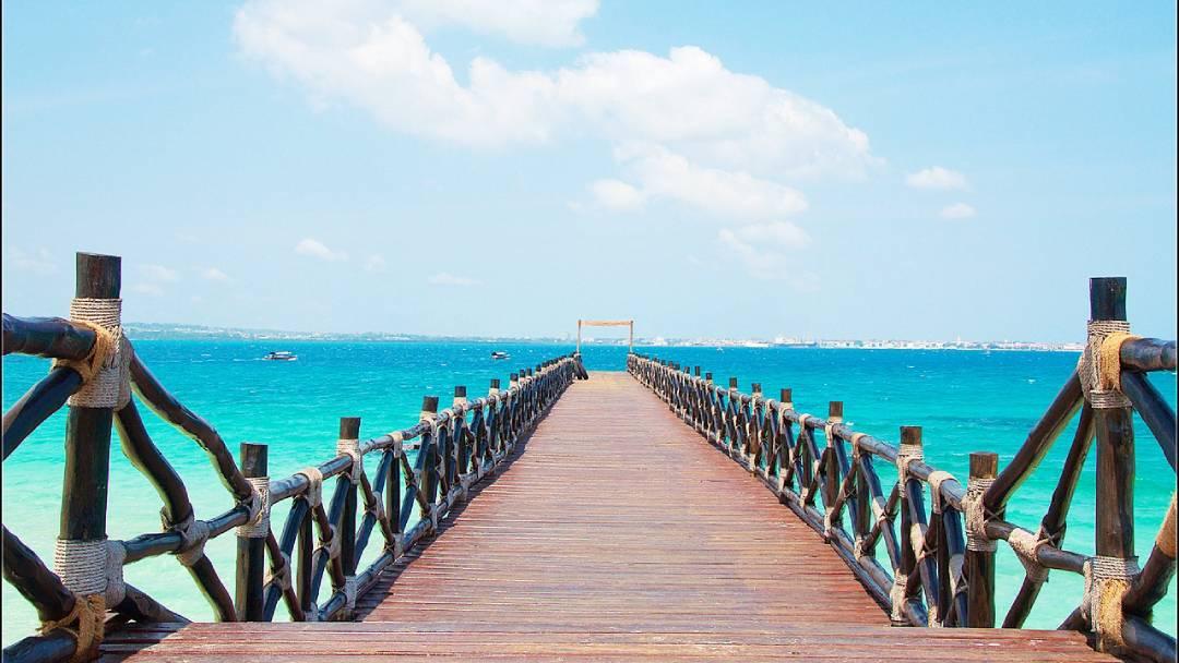 Zanzibar Stone Town bridge