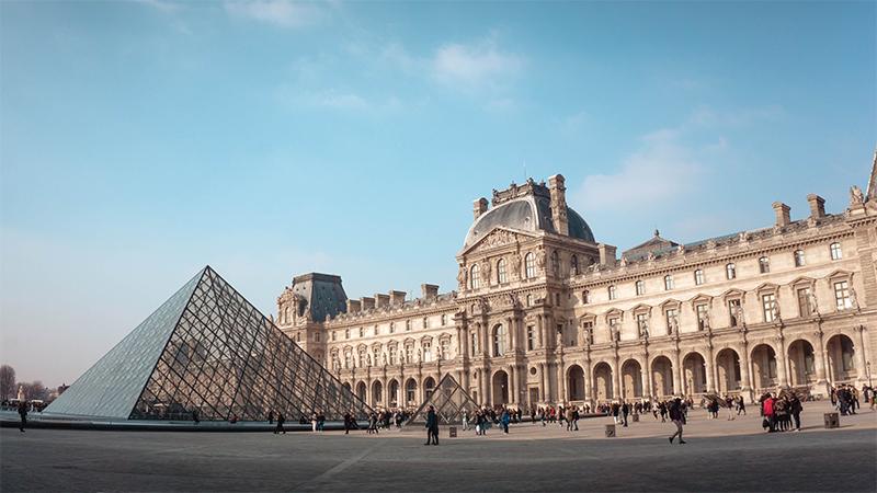 Louvre-Museum,-Paris,-France